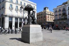 ` Del monumento el oso y el ` del árbol de fresa, Madrid Imagen de archivo libre de regalías