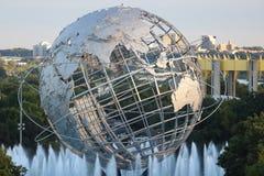 ` 1964 del mundo de Nueva York s Unisphere justo en el parque de Flushing Meadows fotografía de archivo