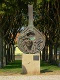 ` Del na Proa de Guitarra del `, escultura de bronce de Domingos de Oliveira en honor de la música del Fado, Bbelem, Lisboa, Port fotografía de archivo libre de regalías