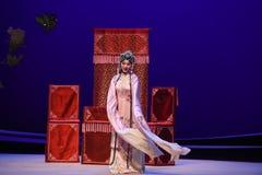 """ del oeste de Chamber†de las mangas-Kunqu del """"the largo elegante de la ópera imagenes de archivo"""