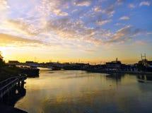 Del Pan bro och Pasig flod royaltyfri fotografi