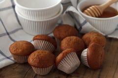 Del plátano de la torta y de la miel de los pasteles todavía del postre primer dulce de la vida Foto de archivo libre de regalías