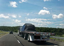 Del plano camión semi con la carga Foto de archivo libre de regalías