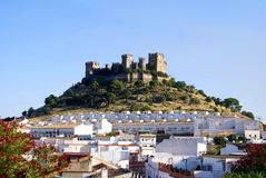 Del Rio di Almodovar ed il castello dei its a Cordova, Spagna fotografie stock libere da diritti