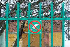 ` Del segnale di pericolo nessun ` pooping del cane Immagini Stock
