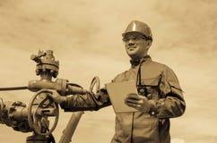 Del trabajador válvula de impulsión bien cerca Fotografía de archivo