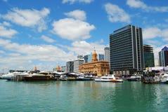 Del traghetto di navigazione porto di Auckland fuori immagine stock libera da diritti