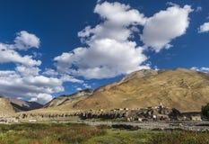 Del villaggio lago Tsokar in viaggio Fotografie Stock Libere da Diritti