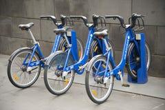 Delad allmänhet cyklar i melbourne Australien Arkivbild