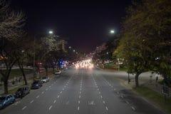 Delante de tráfico en la noche Fotos de archivo