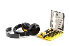Delar av hörlurar med mikrofon Arkivfoton