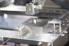 Delar för form för klipp för maskin för CNC-trådsnitt Royaltyfria Bilder