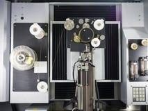 Delar för form för klipp för maskin för CNC-trådsnitt arkivbild
