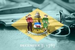Delaware flagga U S statlig vapenkontroll USA förenade tillstånd royaltyfria foton