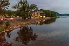 Delaware River på sommar från historiskt nytt hopp, PA Arkivbilder