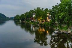 Delaware River på sommar från historiskt nytt hopp, PA fotografering för bildbyråer