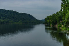 Delaware River am Sommer von der historischen neuen Hoffnung, PA lizenzfreies stockfoto