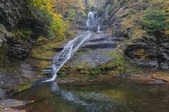 Free Delaware Township, Pike County, Pennsylvania, USA: Autumn Foliage Surrounds Dingman's Falls Royalty Free Stock Images - 177999849