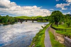 Delawaret River i Easton, Pennsylvania royaltyfri fotografi