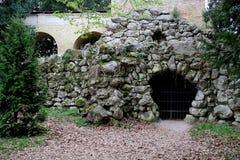 Delen av gammal conctruction i chateauen Lednice Arkivfoton