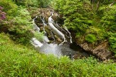 Delen av svalan faller, vattenfall i norr Wales Arkivfoton