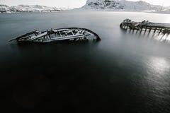 Delen van verlaten schepen bij noordelijke kust Royalty-vrije Stock Afbeelding