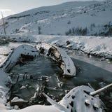 Delen van verlaten schepen bij noordelijke kust Stock Fotografie