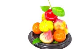 Deletable efterföljd bär frukt, den thailändska efterrätten som isoleras på vit backg Fotografering för Bildbyråer