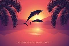 Delfínes y palma del mar de la puesta del sol de la postal de las vacaciones de verano ilustración del vector