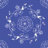 Delfínio e rosas Imagens de Stock Royalty Free