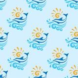 Delfino con il mare, le onde & il fondo sole- di vettore - modello senza cuciture illustrazione vettoriale