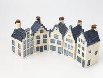 delft för keramiskt porslin holländska historiska hus fotografering för bildbyråer
