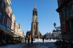 Delft, Nederland - Januari 31: dagelijks en sneeuw hoofdvierkant van royalty-vrije stock foto