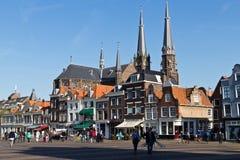 DELFT/NETHERLANDS - 16 aprile 2014: Centro edificato storico di Delft immagine stock libera da diritti