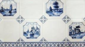 Delftfajansväggtegelplattor av Gzhel Arkivfoto