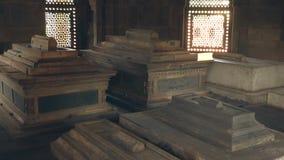 Delhi, Inde, le 29 mars 2019 - la tombe de Humayun est la tombe de l'empereur Humayun de Mughal à Delhi, Inde, la longueur 4k banque de vidéos