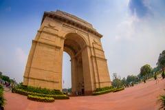 DELHI, INDE - 19 SEPTEMBRE 2017 : Un tir grand-angulaire de la porte d'Inde autrefois connue sous le nom de tout le mémorial de g Photos libres de droits