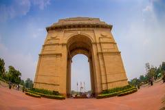 DELHI, INDE - 19 SEPTEMBRE 2017 : Un tir grand-angulaire de la porte d'Inde autrefois connue sous le nom de tout le mémorial de g Photographie stock