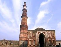 delhi india minar qutub Arkivfoton