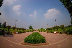 DELHI, INDIA - SEPTEMBER 25 2017: Schitterende mening van het park waar Rajghat wordt gevestigd, New Delhi herdenkings bij Royalty-vrije Stock Afbeeldingen