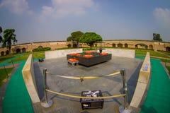 DELHI INDIA, WRZESIEŃ, - 25 2017: Piękny grób w Rajghat, New Delhi jako pomnik przy Mahatma Gandhis ciała kremacją Obraz Stock