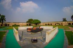 DELHI INDIA, WRZESIEŃ, - 25 2017: Widok z lotu ptaka piękny grób w Rajghat, New Delhi jako pomnik przy Mahatma Gandhis Zdjęcie Stock