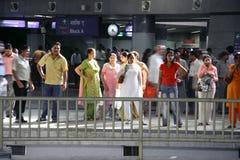 Delhi-Metrofluggäste lizenzfreies stockbild