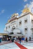 delhi Sikt av den största Gurudwara sikh- templet i Indien Arkivbilder