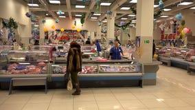 Delicadezas de los mariscos y de los pescados del mercado de la comida de la venta al por menor de Petravlosk-Kamchatsky del merc metrajes