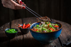 Delicious asian noodle with vegetables and beef Royalty Free Stock Images