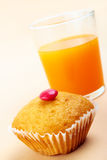 Delicious cake and fresh juice Royalty Free Stock Photos