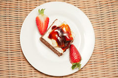 Delicious cake with fresh strawberry Royalty Free Stock Images