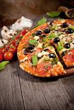 Delicious fresh pizza Royalty Free Stock Images