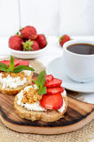Delicious healthy dietary breakfast: rye bread with cottage cheese Royalty Free Stock Photography